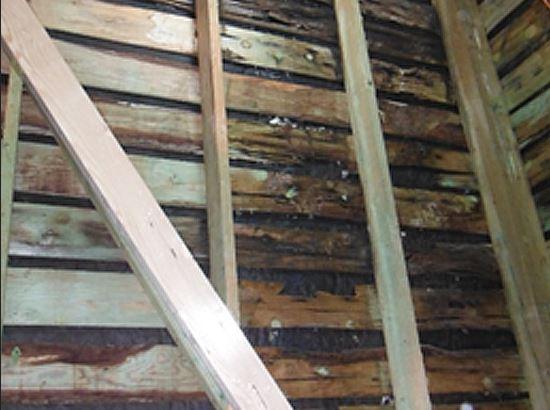 内壁への雨水の侵入