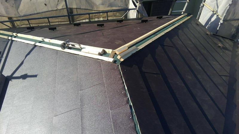 屋根の重ね葺き